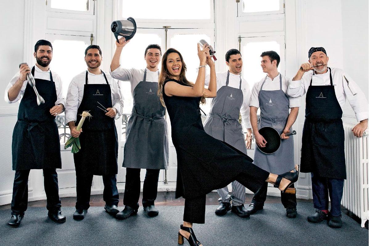 chef dominicana y su equipo
